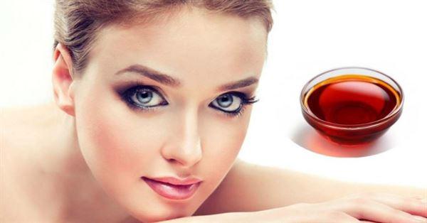 Sử dụng dầu gấc giúp dưỡng trắng da